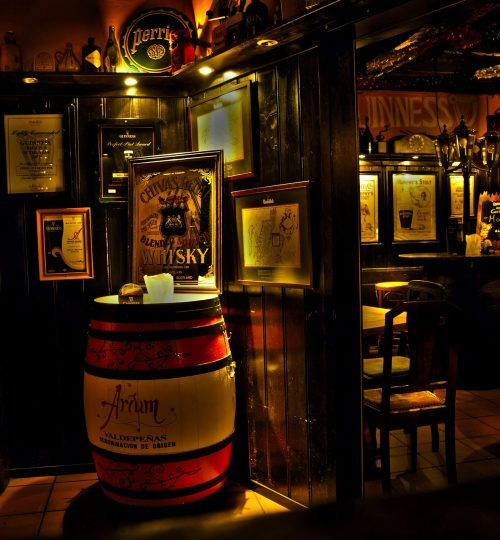 pub-2271549_1920